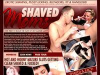 Shaved Moms